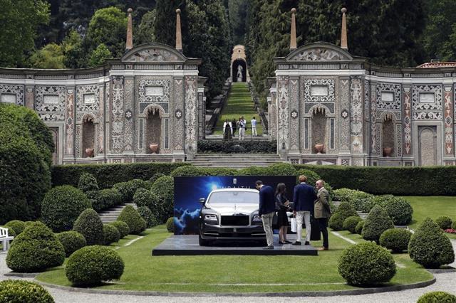 Chiêm ngưỡng loạt xe hiếm tại triển lãm ôtô cổ điển Italy  - Ảnh 3.