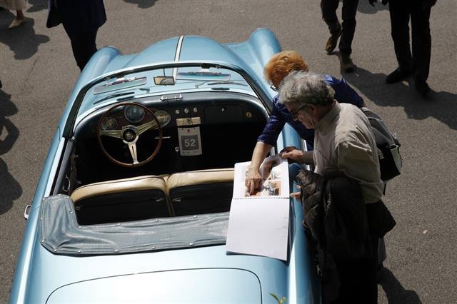 Chiêm ngưỡng loạt xe hiếm tại triển lãm ôtô cổ điển Italy  - Ảnh 12.