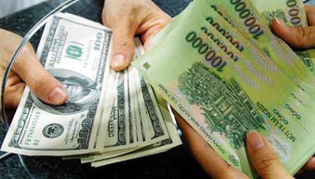 """""""Bơm tiền để cứu tỷ giá chỉ có tác dụng trong ngắn hạn"""""""