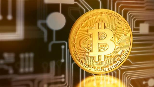 Giá Bitcoin hôm nay 1.6: Sau cú phi mã chọc đỉnh 9000$, Bitcoin rơi