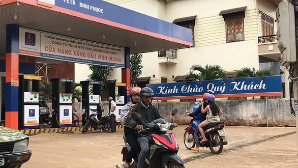 Đại gia Trịnh Sướng tuồn hàng trăm triệu lít xăng giả ra thị trường - Ảnh 1.