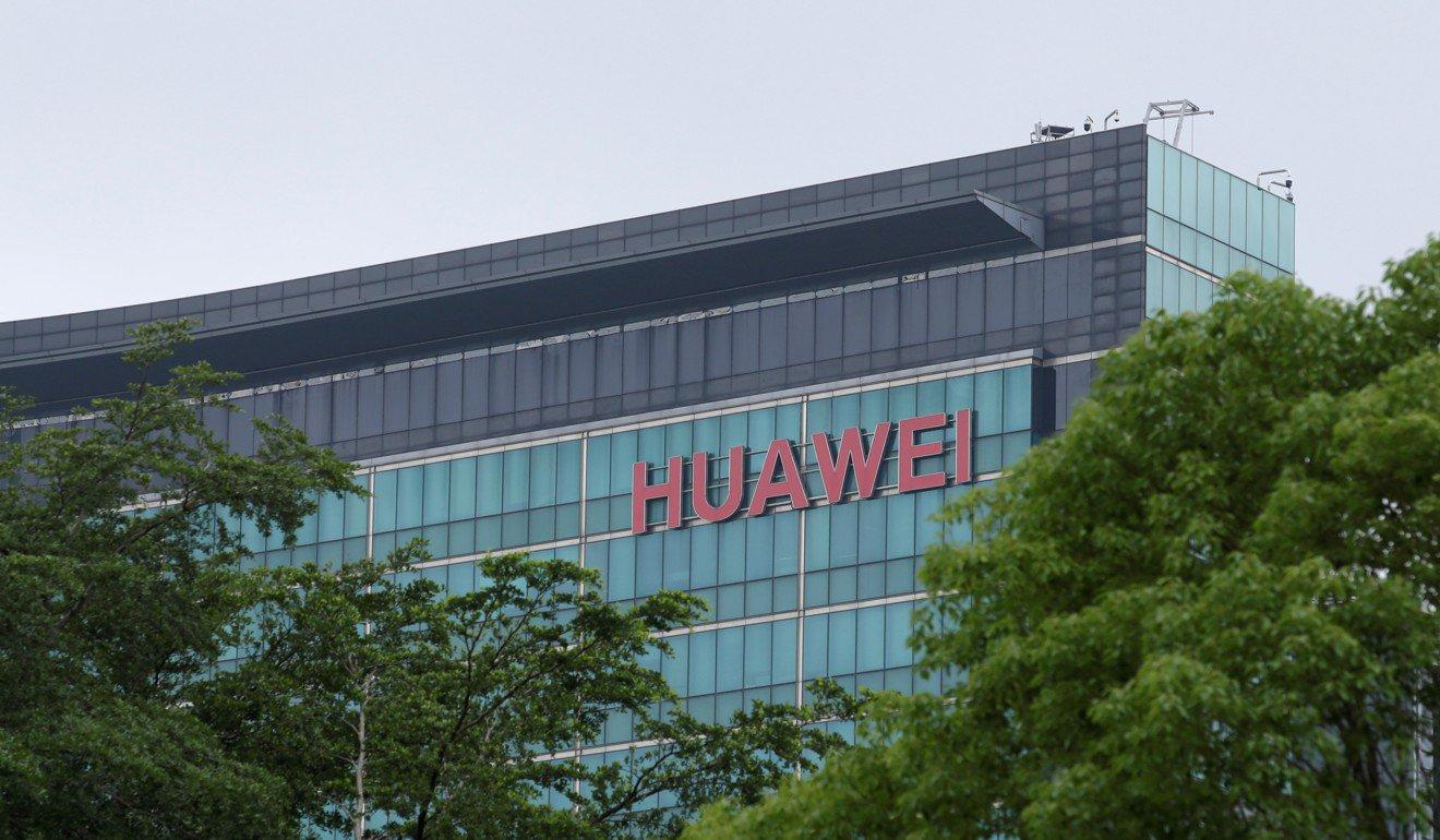 huawei - Hai Ông Lớn Ngừng Hợp Tác Với Huawei Dù Mới Tuyên Bố Hợp Tác Chiến Lược Vào Tháng 4/2019