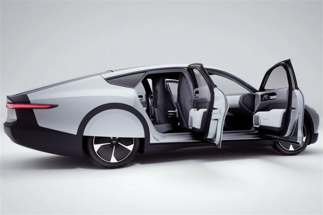 Ôtô điện chạy bằng năng lượng mặt trời đầu tiên trên thế giới - Ảnh 4.