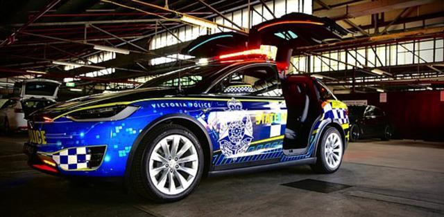 Những chiếc xe cảnh sát sang chảnh bậc nhất thế giới - Ảnh 1.