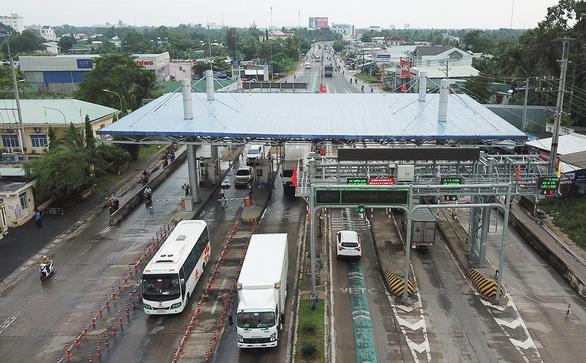 Tổng cục Đường bộ ra tối hậu thư sẽ tạm dừng thu phí từ 18h ngày 10-7 với 4 <span>dự án BOT</span>  - Ảnh 3.