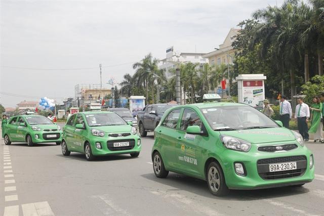 Taxi truyền thống đề nghị được chuyển thành xe hợp đồng điện tử - Ảnh 1.