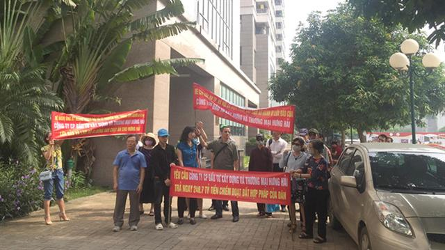 Khách hàng 'vây' trụ sở đòi gần 250 tỉ đã mua đất 'dự án ma' ở Hà Nội