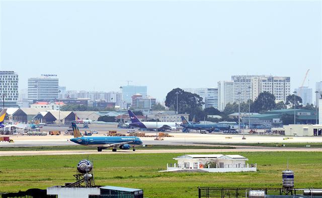 Giải cứu sân bay Tân Sơn Nhất: Chờ thêm... 3 năm! - Ảnh 1.