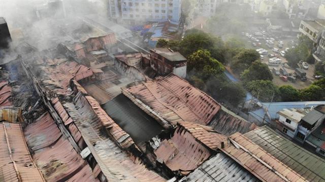 Cận cảnh tan hoang sau vụ cháy 6.000 m2 kho xưởng tại Công ty Bóng đèn phích nước Rạng Đông - Ảnh 1.
