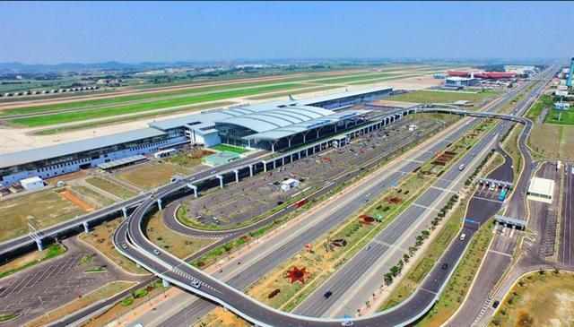 Bộ Giao thông xin Thủ tướng bố trí vốn cải tạo đường băng Nội Bài, Tân Sơn Nhất