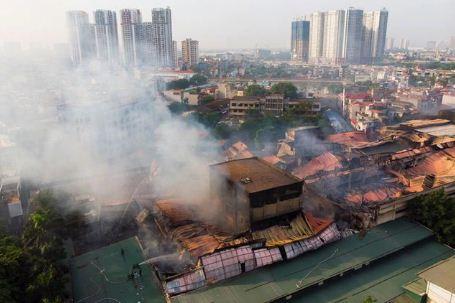 Cháy nhà máy Rạng Đông: DN nhận bảo hiểm 150 tỷ, ai bồi thường thiệt hại cho dân? hình ảnh 1