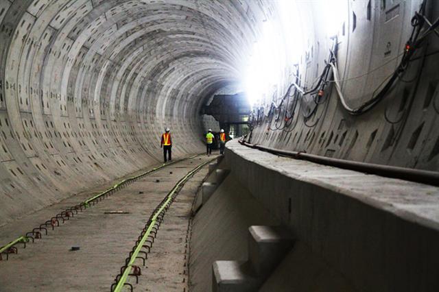 Hai tuyến metro qua thêm một 'cửa ải'