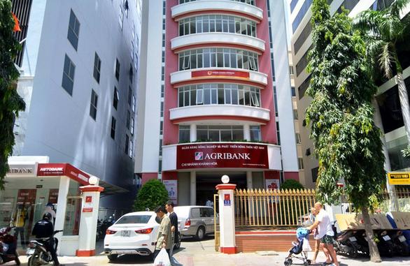 Bắt cựu lãnh đạo Phòng giao dịch Agribank Ninh Diêm, Khánh Hòa - Ảnh 1.