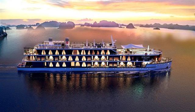 Doanh nghiệp méo mặt  vì phí tham quan vịnh Hạ Long dự kiến tăng sốc tới 60% - Ảnh 1.