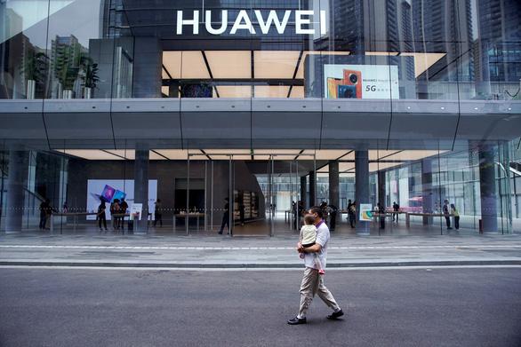 Huawei vượt qua sóng thần cấm vận của Mỹ như thế nào? - Ảnh 2.