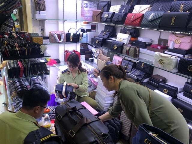 Hàng nhái, giả ngập chợ du lịch