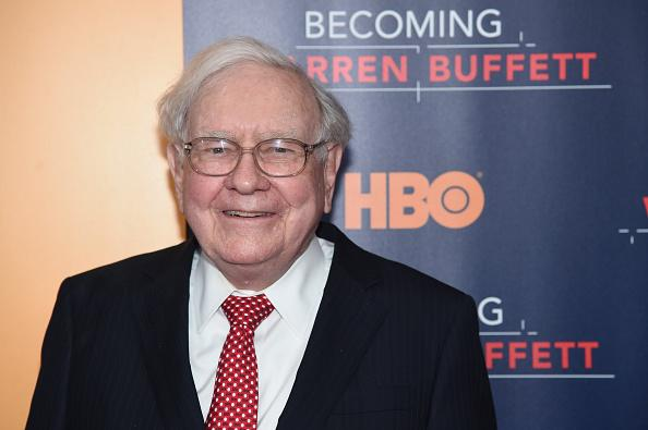 Warren Buffett đã kiếm được bao nhiêu từ Apple?