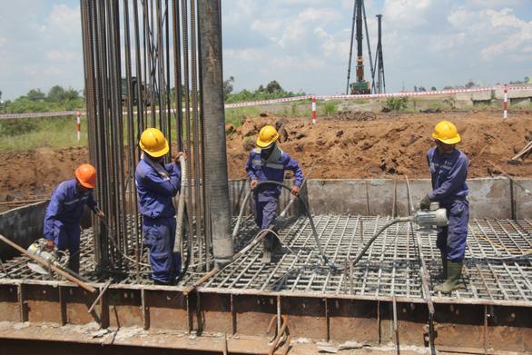 Dự án cao tốc Trung Lương – Mỹ Thuận thi công không nghỉ Tết