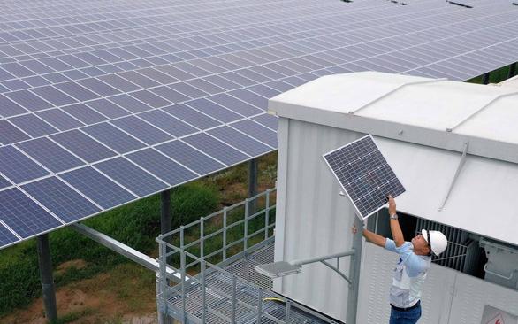 Điện mặt trời bị đề xuất giảm giá mua, phong trào chăng? - Ảnh 1.