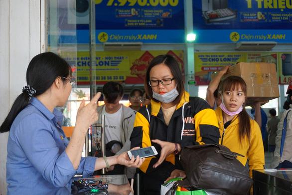 Trạm thu phí phải xả trạm giải cứu kẹt xe cho TP.HCM dịp Tết Nguyên đán - Ảnh 3.