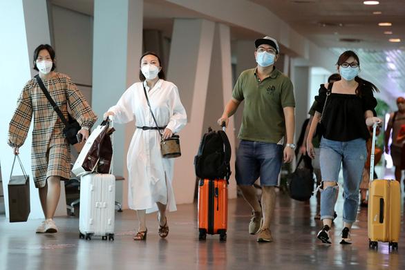 Ngành du lịch, bán lẻ lao đao vì vắng khách Trung Quốc - Ảnh 2.