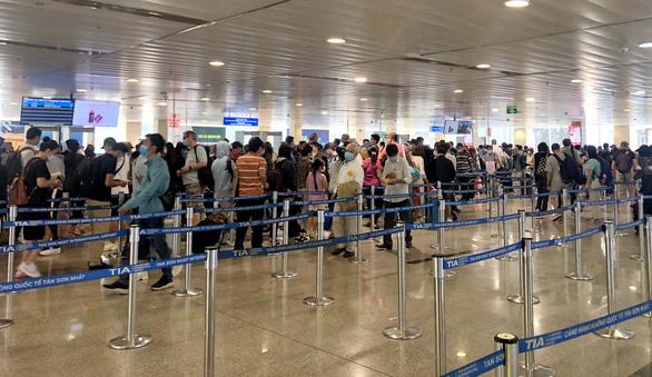 Vietnam Airlines rao cho thuê máy bay, hàng không thiệt hại 10.000 tỉ mới chỉ ban đầu - Ảnh 1.