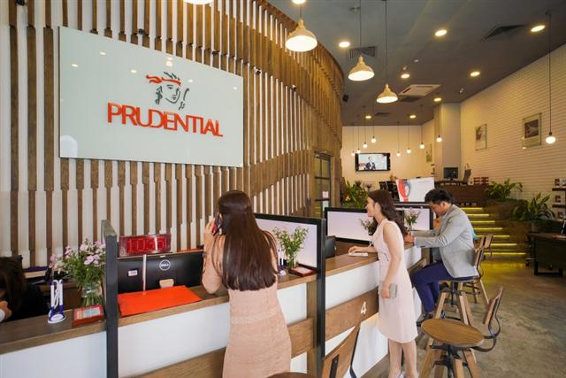 Prudential called to separate into two companies