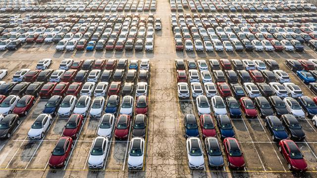 Sản lượng ô tô toàn cầu năm 2020 giảm 1,4 triệu xe vì Covid-19