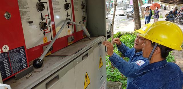 Giảm giá điện, giảm gánh nặng cho hàng triệu người mất thu nhập