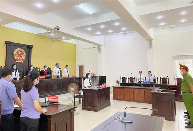 Nguyên Bí thư TX.Bến Cát Nguyễn Hồng Khanh bị tuyên phạt 10 năm tù