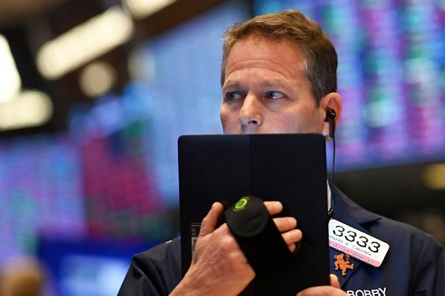 Dow Jones bứt phá hơn 1,000 điểm, Nasdaq-100 lập kỷ lục khi số lượng việc làm tăng mạnh lịch sử