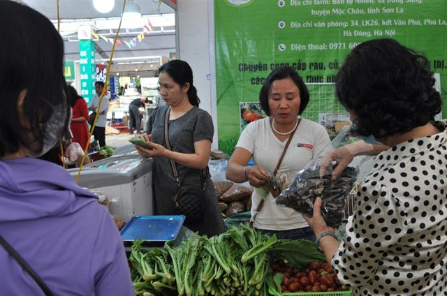 Hanoi promotes agricultural production through points of sale