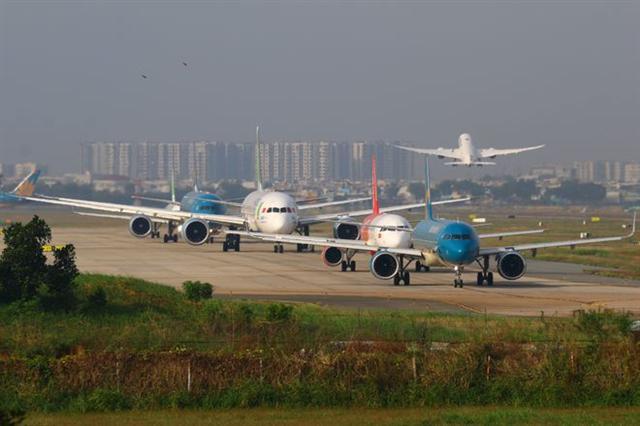 Vé máy bay giảm 'sập sàn' kích cầu sau Tết