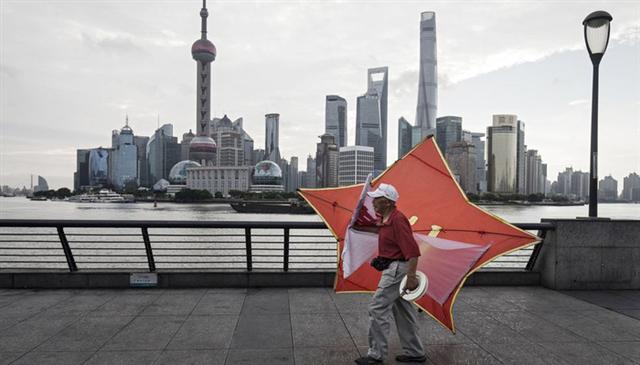 Hút được dòng tiền nóng, Trung Quốc chưa kịp mừng đã lo