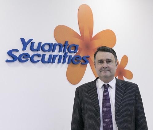 https://image.vietstock.vn/2021/05/03/ong-Matthew-Smith-yuanta-1.jpg