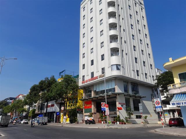 Nữ nhân viên massage mắc Covid-19 tại Đà Nẵng tiếp xúc những ai ?