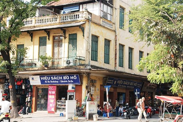 Hanoi developments induce delay fluster