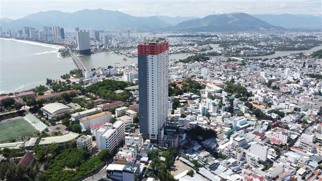 Vì sao Khánh Hòa phải lo xử lý sai phạm về đất đai ?:Tùy tiện giao đất 'vàng'