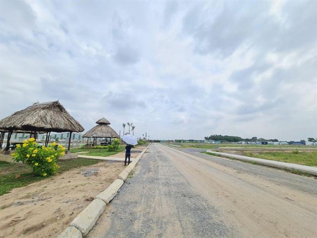 Rộ dự án bất động sản ngang nhiên 'bán lúa non' ở Long An