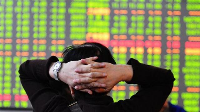 Nhà đầu tư chứng khoán phẫn nộ đề nghị lãnh đạo HoSE từ chức