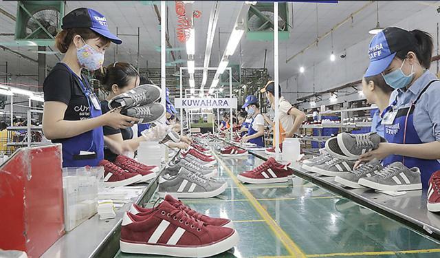 Xuất khẩu giày dép sang EU tăng mạnh nhờ