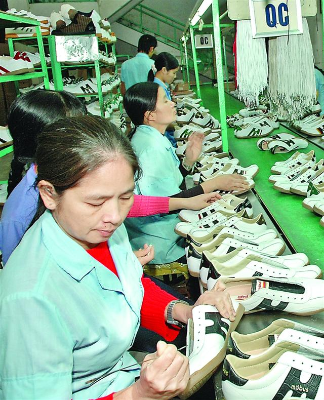 Vietnam diversifies solutions to promote exports despite Covid-19 resurgence
