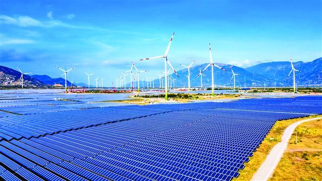 Ninh Thuan Province adopts ambitious energy, tourism, farming goals