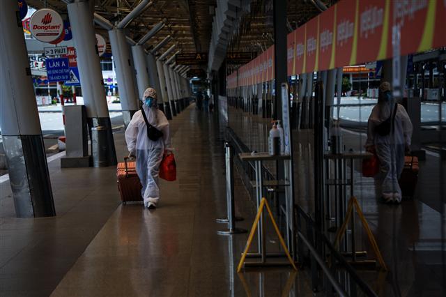 Sân bay Tân Sơn Nhất vắng lặng ảnh 8