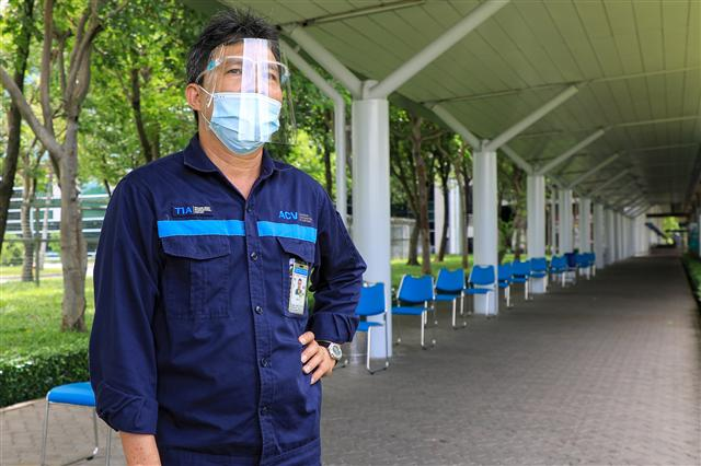 Sân bay Tân Sơn Nhất vắng lặng ảnh 15