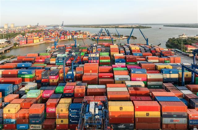 Cảng Cát Lái tạm ngưng tiếp nhận hàng hóa ảnh 1