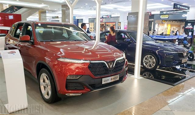 Doanh số các hãng ô tô tại Việt Nam giảm kỷ lục, VinFast vượt Hyundai
