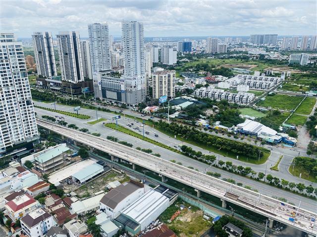 Dùng hơn 100.000 ha đất để phát triển đô thị