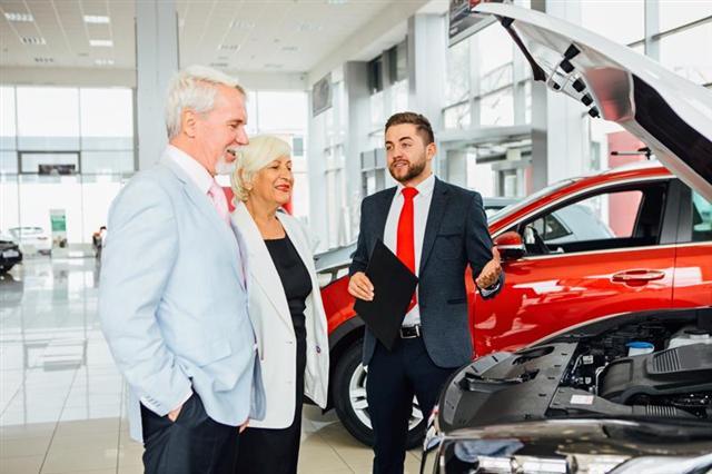 Các hãng xe Mỹ thẳng tay cắt mọi ưu đãi, giá xe tăng chóng mặt